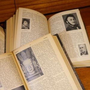 1冊/北欧デンマークディスプレイ洋古書/店舗・自宅のインテリアに大人気/アンティーク洋古書/UD8260/全国配送一律500円(税込)|ikeikakunet|09
