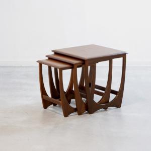 ST1941 G-plan(Astoro)ネストテーブル/ビクターBウィルキンス UKビンテージ家具 ikeikakunet