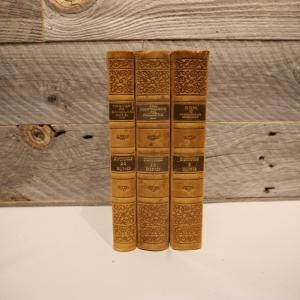 洋古書アウトレット / BIND-4(3冊セット) / 北欧デンマークのビンテージ / ディスプレイ用【全国配送一律500円(税込)】|ikeikakunet