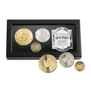 グリンゴッツ銀行の刻印が入ったガリオン(金貨)、シックル(銀貨)、クヌート(銅貨)が特製ボックスに入...