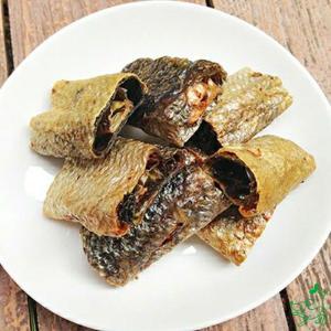 犬 おやつ 低脂肪 無添加 国産 青森産鮭皮ロールガム 55g イリオスマイル ポイント消化|iliosmile