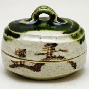 茶道具 香合 織部焼 瀬戸焼 ハジキ 松本鉄山作  柄は変わります。当店におまかせ下さい。|imaya-storo