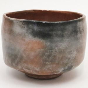 ●赤楽茶碗 臨済(りんざい)…伝来不詳とされ本物は紛失しています。 名の由来は、飲み口の景色(焼き破...