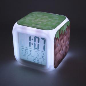 MINECRAFT (マインクラフト) カラフルに光る置時計 目覚まし時計 温度計付き LEDライト ランダム キーホルダーセット (草柄)|impactlife55