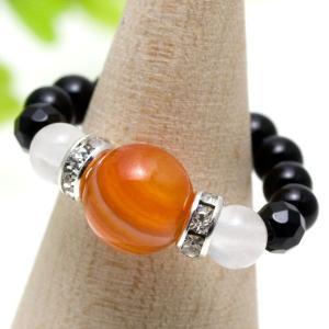サードオニキス:オレンジレッドが印象的なサードオニキスは、「愛情」のパワーストーン。暖かな色そのまま...