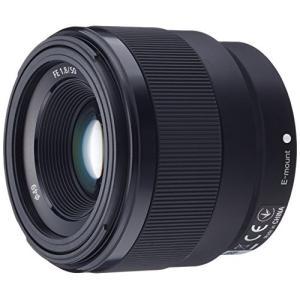 新規光学設計により高画質を実現した、小型・軽量な開放F値1.8の大口径標準単焦点レンズ 携帯性に優れ...