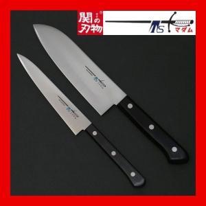 刃物の町で有名な岐阜県関市で製造された包丁です。 モリブデン鋼を使用してますので鋭い切れ味が長続きし...