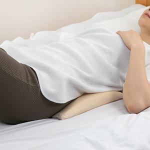 【週末限定クーポン】らくらく腰まくら 低反発 腰枕 日本製 クッション ( 枕 まくら 腰 ) interior-palette