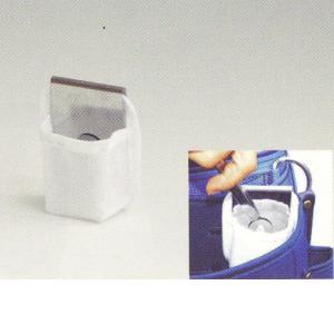 用途  カッターの刃を折って、そのままポケットに入れれる、刃折り付きの袋です。腰袋に装着できます。 ...