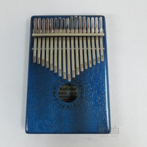 キー:17キー トーン:C サイズ:上幅11.5cm、 下幅13.5cm、長さ18.5cm、厚さ 3...