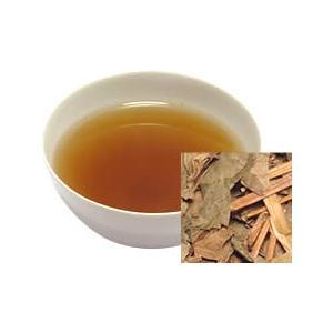 ドクダミ科の多年草のお茶を乾燥させたもの。  生葉の独特の生臭さが、ほとんどない飲みやすい健康茶に仕...