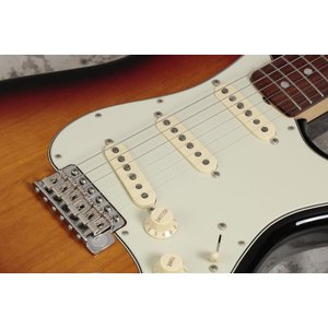 Fender USA / American Original 60s Stratocaster 3 Color Sunburst (S/N V1740258)(チョイキズ特価品)(御茶ノ水本店)|ishibashi-shops|09