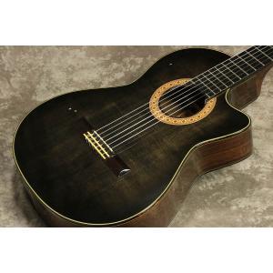 薄胴エレガットで、ナット幅50mmの本格クラシックギターNECKを採用したモデル。 BODY厚は70...