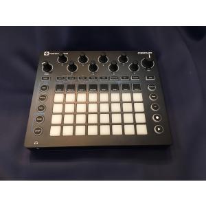 創作にインスピレーションを与えるグリッドベースのグルーブボックス  Circuit には音楽制作、パ...