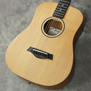 2014年製造、人気のミニギターBaby Taylor になります。 コンパクトなサイズながらなりの...