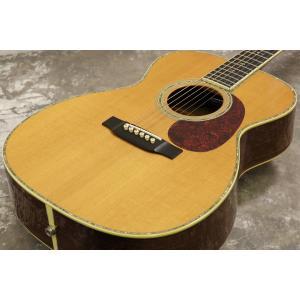 マーチンのカスタムモデル、1996年製・OOO-42です。 ギターの神様「エリック・クラプトン」がア...