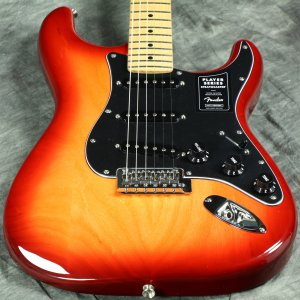 Fender / Limited Edition Player Stratocaster Ash Aged Cherry Burst Maple フェンダー《純正バッグ付アクセサリーキットプレゼント!/+681504690》【S/N MX20062853】