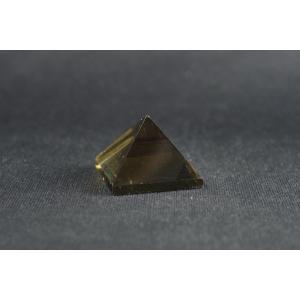 ピラミッド型 スモーキークォーツ|ishino-hana