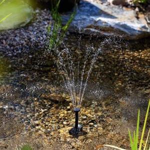 ● 噴水、滝や水ディスプレイ用ソーラー噴水ポンプキット  ● バッテリーや電気がいらない、正方形の太...