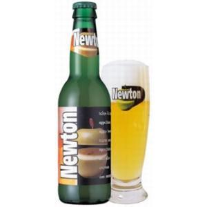 ベルギーの白ビールに青リンゴ果汁を加えたビール。 白ビールの甘酸っぱさと青リンゴの味と香りがビックリ...
