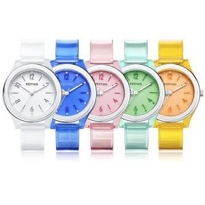 """36mmの小ぶりなケースにさわやかなポリウレタン素材のベルトを採用した""""かわいい""""腕時計です。女性か..."""