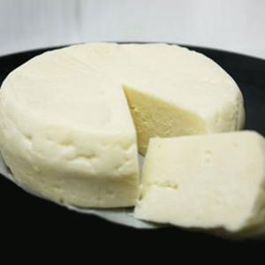 チーズ トーマデッレランゲ 約300g イタリア産チーズ 白カビチーズ【100g当たり780円(税抜...