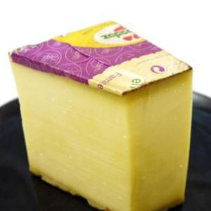 フランス東部のフランシュ・コンテ地方にあるジュラ山脈一帯で造られるチーズ。  古くから厳しい山の冬を...