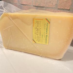 チーズ パルミジャーノレッジャーノ 約1kg ザネッティ社 イタリア産チーズ  ハードチーズ 【100g当たり504円(税込)で再計算】 italiatanicha2