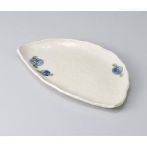 〔美濃焼 焼物皿〕 粉引山茶花半月焼物皿|itibei