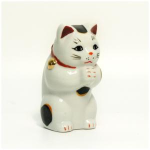〔招き猫 縁起物 インテリア小物〕 縁起物赤絵お祈り猫 小|itibei