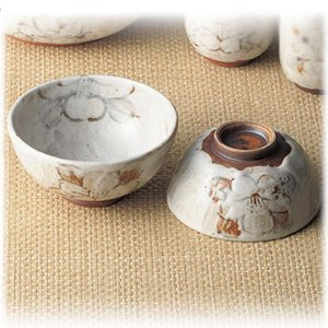 〔飯碗 瀬戸焼〕 秀峰窯  志野野の花 組飯碗|itibei