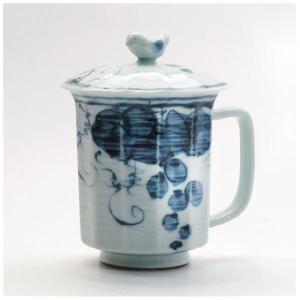 〔マグカップ 有田焼〕 面取ぶどう 蓋付マグカップ(青)|itibei