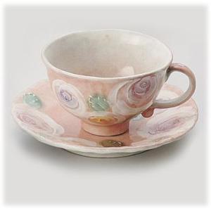 〔瀬戸焼 コーヒー碗皿〕 彩バラ化粧 コーヒー碗皿(紅)|itibei