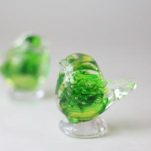 ガラス工房 森のくに 小鳥(グリーン) 11725|iwatekensan-netshop