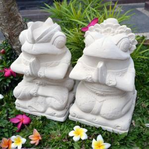 当店オリジナルデザイン  カエルのカップルをスペシャル装飾で制作してもらいました。 顔の表情や、アク...