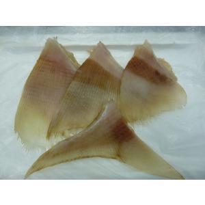 軟骨のコリコリ感がたまらない きれいな白身 皮むき処理済み えいひれ煮付用 約1kgパック|izakayaouentai