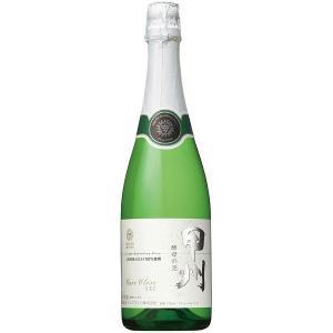 シャルマ方式で造り上げた本格的な味わいのスパークリングワインです。長く続く繊細な泡立ちと、淡い黄金色...