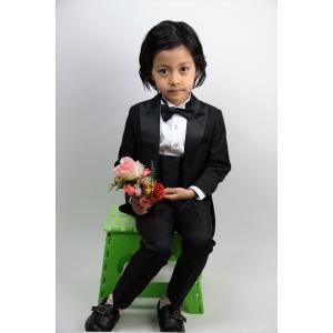 5df0448575b25 ... 子供燕尾服 キッズ タキシード 子供服 キッズ フォーマル 男の子 白黒2色 結婚式 ピアノ 発表 ...