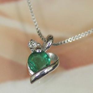 ホワイトゴールド 誕生石 ネックレス 5月 エメラルド ダイヤモンド ペンダント K10WG 幸せの絆 幸せはこぶ誕生石  記念日 誕生日|j-kimura