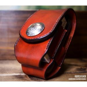国産栃木サドルレザーに手染めによるビンテージ染めを施し、一針一針手縫いで製作したアイコス3ケースです...