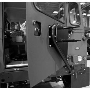 ディフェンダー用MANTECスペアタイヤキャリア|jandl-automotive