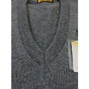 日本国内でカシミヤ原毛を精製、縮絨加工、12ゲージ天竺編みのメンズ紳士カシミヤ100%VネックセーターLサイズのチャコール国産|japan-made-fullhouse|02