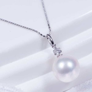 特別奉仕品  プラチナ大珠8.5mm珠あこや真珠ダイヤペンダントネックレス【照り珠】 japangold