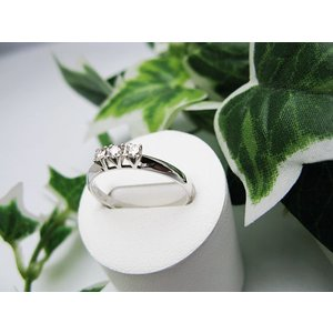 ホワイトゴールドダイヤモンドリング(K18) jewelelegance 02