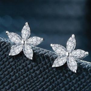 ピアス レディース スワロフスキー 星 スター 可愛い 耳元 花柄 K18金RGP