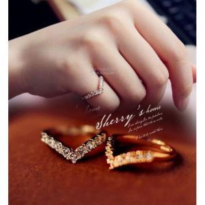 指輪 リング ピンキーリング ダイヤモンドCZ V字 Vライ...