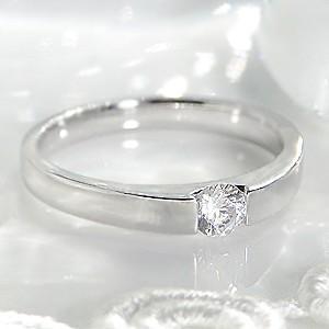 ☆センターにダイヤモンドがキラリと輝く、タンク型のシンプルなデザインのリングです。  輝きの綺麗なダ...