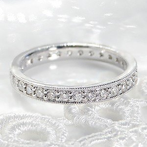 ☆プラチナ950を贅沢使った枠に、上質な天然ダイヤモンドを1つ1つ丁寧に留めて作りあげた、豪華なダイ...