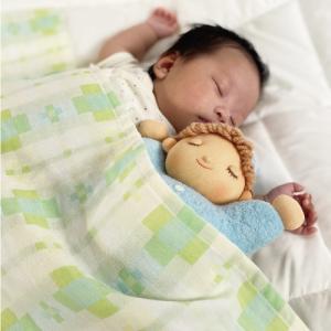 出産祝 2点セット 日本製 オルゴール入りねむり人形 防水 二重織ガーゼ・バスサイズ ぬいぐるみ 赤ちゃん 自由学園|jiyu