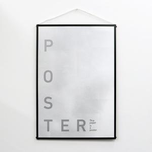 【商品説明】 (モノクロでシンプルなポスター) POSTERという名前のポスターです。文字だけのシン...